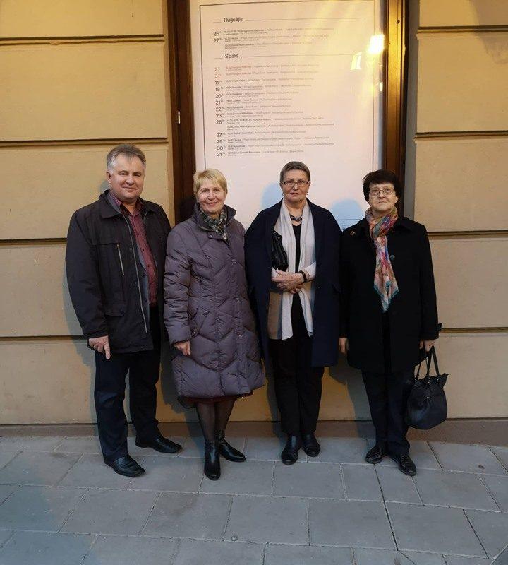 Progimnazijos bendruomenė lankėsi Jaunimo teatre